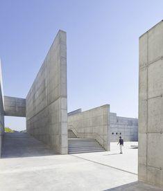 Gallery of Venecia Park / Héctor Fernández Elorza + Manuel Fernández Ramírez - 4