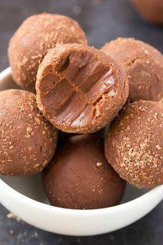 no bake brownie bites Low Carb Desserts, Vegan Desserts, Low Carb Recipes, Baking Recipes, Dessert Recipes, Healthier Desserts, Easy Desserts, Vegan Treats, Vegan Snacks