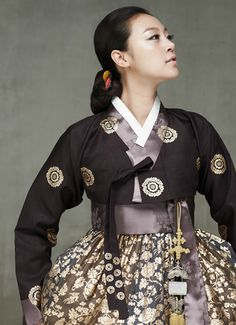 hanbok-embroidered-modernized