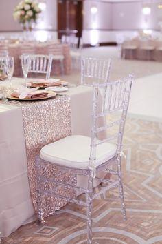 Table cloth color, runner and clear chiavari chairs Chiavari Chairs Wedding, Wedding Reception Chairs, Reception Ideas, Wedding Table, Cheap Adirondack Chairs, Outdoor Chairs, Tiffany Chair, Clear Chairs, Wedding Hall Decorations