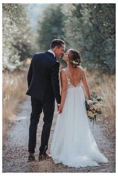 Wedding Photography Checklist, Wedding Photography Styles, Mehendi Photography, Photography Ideas, Couple Photography, Bridal Photography, Photography Equipment, Photography Magazine, Romantic Photography