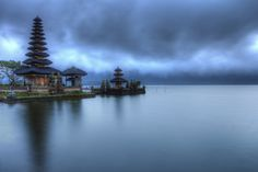Ulun Temple at blue hour (Jimmy McIntyre) Bali