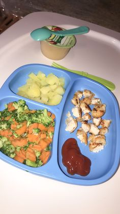 One Year Old/Toddler Dinner Meal Ideas Healthy Toddler Breakfast, Healthy Baby Food, Healthy Toddler Meals, Toddler Lunches, Toddler Food, Healthy Snacks, Daycare Meals, Kids Meals, Clean Eating Meal Plan