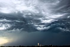 A stunning time-lapse video capturedby Alex Schueth shows an undulatus asperatus cloud formation rolling like waves over Lincoln, Nebraska. Undulatus asperatus is not yet officially recognized as ...