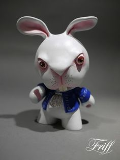 toycutter: White Rabbit Munny