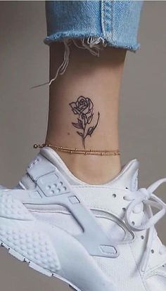 70 Female Ankle Tattoos That Will Impress You! Dope Tattoos, Dream Tattoos, Mini Tattoos, Body Art Tattoos, Small Tattoos, Tatoos, Ankle Tattoo Small, Ankle Tattoo Designs, Harry Styles Tattoos