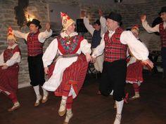 Estonian national clothes, folk dancers