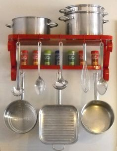 Simple and Modern Tips Can Change Your Life: Kitchen Decor Window Front Doors kitchen decor diy rustic.Kitchen Decor Wall How To Build beach kitchen decor tips. Red Kitchen Decor, Vintage Kitchen Decor, Kitchen Redo, Country Kitchen, New Kitchen, Kitchen Design, Kitchen Ideas, Kitchen Storage, Wordpress Theme