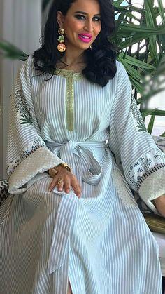 Kaftans, Abayas, Abaya Fashion, Fashion Dresses, Modest Dresses, Casual Dresses, Mode Abaya, Modele Hijab, Style Africain
