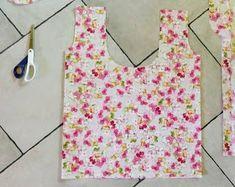 muntaipale - kankaita ja ompeluniloa: Kangaskassi muovikassikaavalla Sewing, Crafts, Bag, Dressmaking, Manualidades, Couture, Stitching, Handmade Crafts, Sew