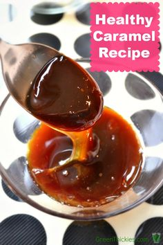 How to make caramel with just one ingredient (Sugar free, vegan, gluten free): Learn how to make caramel with just one ingredient! This gorgeous gooey syrup is made only with apples and is vegan, sugar free and gluten free. Real Food Recipes, Cooking Recipes, Yummy Food, Dessert Recipes, Dip Recipes, Healthy Desserts, Healthy Recipes, How To Make Caramel, Sugar Free Vegan