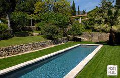 Piscine forme bassin de nage traditionnel | Piscinelle. Ce bassin de nage traditionnel est réalisé en aluminium pour une inaltérabilité dans le temps incomparable.