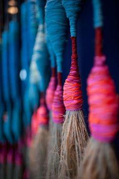 El Bosque de lana: borlas, flecos y otros colgarejos