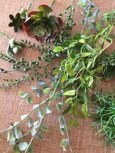 フェイクのパレット風アレンジ Recipe Steps, Flower Arrangements, Succulents, Diy Crafts, Drawings, Garden, Flowers, Plants, Handmade