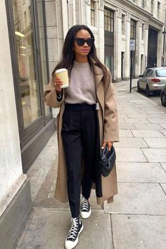 Office Wear Women Work Outfits, Stylish Office Wear, Stylish Work Outfits, Business Casual Outfits, Professional Outfits, Casual Office, Sneakers Outfit Work, Athleisure Outfits, Street Chic