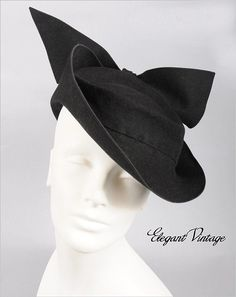A chicly beautiful 1940s tilt hat. #vintage #hat #fashion #1940s
