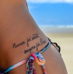 The craze for tattoos have increased so much that now a days you will see all kinds amazing tattoo i Mini Tattoos, Trendy Tattoos, Sexy Tattoos, Body Art Tattoos, Small Tattoos, Tattoos For Women, Cool Tattoos, Tatoos, Tattoo Line