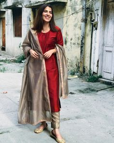 Silk Kurti Designs, Churidar Designs, Kurta Designs Women, Kurti Designs Party Wear, Casual Indian Fashion, Indian Fashion Dresses, Dress Indian Style, Indian Outfits, Fashion Wear
