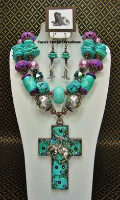 HOWLITE TURQUOISE WESTERN Chunky Statement by CayaCowgirlCreations
