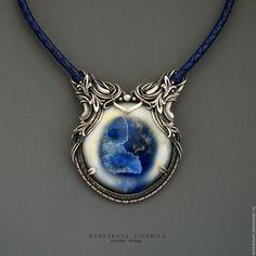Купить серебряное колье Фантазийные цветы - тёмно-синий, колье под шею, серебряное колье