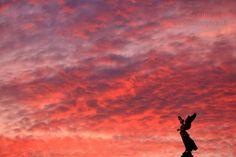 Ange ou démon ? Coucher de soleil sur la baie des Anges à Nice