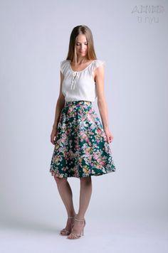 flower skirt / midi skirt / pleated skirt / green skirt by OtinyuO