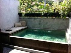 piscina-acima-do-solo-quadrado