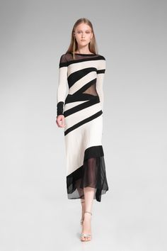 Now this is a nice dress. I like the layout of the different fabrics, and I bet it moves so nicely...  Donna Karan, Resort 2014 collection