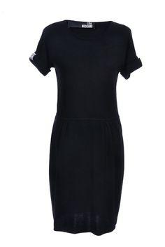 #LoveMoschino | Feminines #Strickkleid mit Strass-Detail am Ärmel, Gr. M | Love Moschino | mymint-shop.com | Ihr Online Shop für #Secondhand / Vintage #Designerkleidung & Accessoires bis zu -90% vom Neupreis das ganze Jahr #mymint