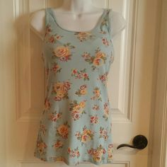Floral tank Great condition floral tank Tops Tank Tops
