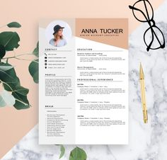 Plantilla de curriculum vitae moderno / por ResumeBoulevard en Etsy If you like this cv template. Check others on my CV template board :) Thanks for sharing! Template Cv, Modern Resume Template, Resume Templates, Cv Design, Resume Design, Graphic Design, Word Design, Cv Template Professional, Professional Resume