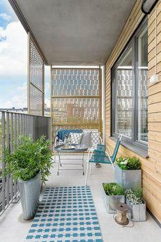 teppiche kleine terrasse gestalten