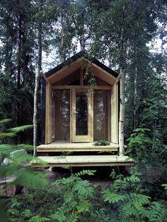 Sauna finlandese. Questo esempio di una sauna moderna è eccezionale. Spesso i modelli moderni perdono la 'magia' delle saune tradizionali, ma qua si è riuscito a mantenere un equilibrio tra i due mondi.