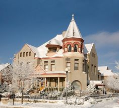 Warren-Nagle Mansion, a victorian bed and breakfast in Cheyenne, Wyoming Cheyenne Frontier Days, Best Bed And Breakfast, Victorian Bed, Places In America, Visitors Bureau, Beautiful Dream, Take Me Home, Old West, Old Houses