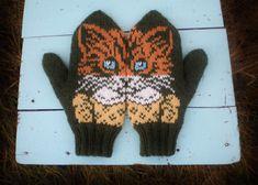 Ravelry: Neiti Kissinen pattern by Lumi Karmitsa Knit Mittens, Mitten Gloves, Knitting Projects, Knitting Patterns, Knitting Ideas, Baby Pants Pattern, Boyfriend Crafts, Fair Isle Pattern, Fair Isle Knitting