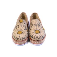 Slip on espadrille with daisy flowers / printed design / style / fashionista / shoes addict / Goby shoes
