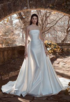 Elegant Wedding Dress, Dream Wedding Dresses, Bridal Dresses, Wedding Gowns, Prom Dresses, Minimal Wedding Dress, Backless Dresses, Elegant Bride, Wedding Themes