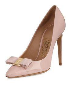 SALVATORE FERRAGAMO EMY PATENT BOW 100MM PUMP, BON BON. #salvatoreferragamo #shoes #pumps