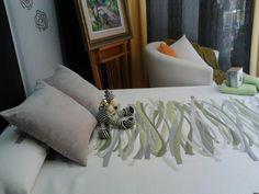 colcha blanca y verde