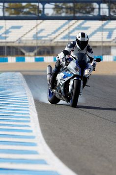 2013 BMW S1000RR HP4 Sport...totally ♡ this sport