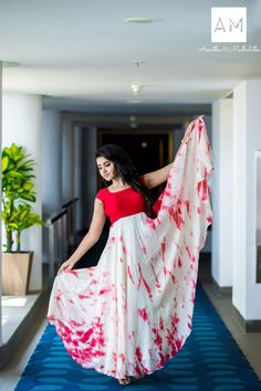 Actress Anupama Parameswaran photo shoot stills in Asmitha and Madhulatha design. Anupama Parameswaran photo shoot stills. Long Dress Design, Dress Neck Designs, Blouse Designs, Frock Models, Kalamkari Dresses, Long Gown Dress, Long Frock, Half Saree Designs, Fashion Clothes