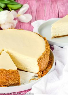 This recipe makes the BEST Eggless Cheesecake you will ever try! It's wonderfully creamy and silky, and it's also one of the easiest to make! A delicious and melt-in-your-mouth classic dessert that will leave everyone asking for seconds. Eggless Cheesecake Recipe, Eggless Desserts, Eggless Recipes, Eggless Baking, Easy Cheesecake Recipes, Chocolate Cheesecake, Dessert Recipes, Vegan Cheesecake, Health Desserts