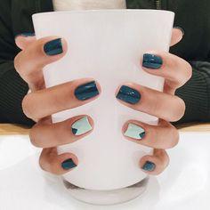 Ανοιξιάτικα νύχια: 10+1 χρώματα και σχέδια για το επόμενο μανικιούρ σου