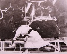 George Mathieu performance in Osaka with the Gutai, 1957
