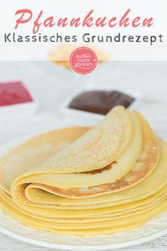 Tolles Pfannkuchen Grundrezept für absolut köstliche und garantiert gelingsichere Pfannkuchen. #pfannkuchen #pancakes #grundrezept #backenmachtgluecklich