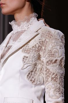 Valentino Alta Moda Primavera Estate 2012 #lace #white #valentino #fashion