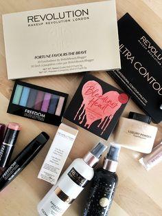 MakeUp Revolution est une marque anglaise qui propose une grande variété de maquillages pour des prix super abordables, à vous les maquillages de fou !!