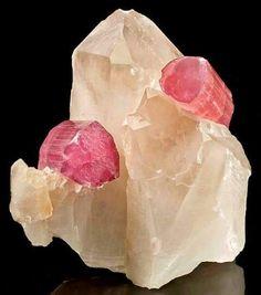 Turmalina e quartzo branco