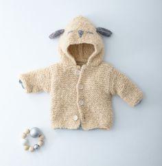 Bébé sera doux comme un agneau en portant ce modèle de paletot à capuche très…