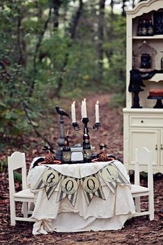 Celebrate Halloween with a spooky dinner outside (fun for the kids or you!). #halloween